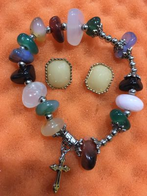 Vintage semi precious stones Bracelet and Earrings for Sale in Hayward, CA