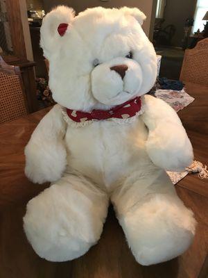 White Stuffed Bear w/ hearts for Sale in Bloomingdale, IL