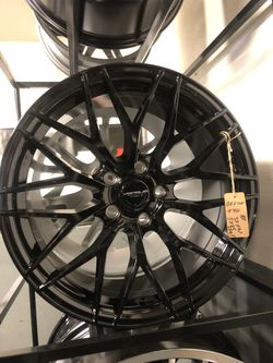 BRAND NEW set (4) Gloss Black 18 inch rims for only $800!!! for Sale in Lakewood,  WA