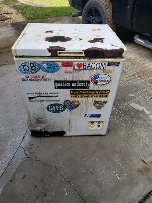 Works great looks like shit: deep freezer for Sale in Apopka, FL