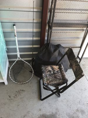 FISHING ROD REEL NET POLE HUNTING BLIND CHAIR for Sale in Macomb, MI