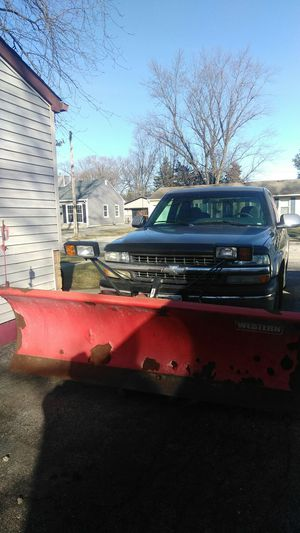 Chevy Silverado with snow plow for Sale in Romeoville, IL