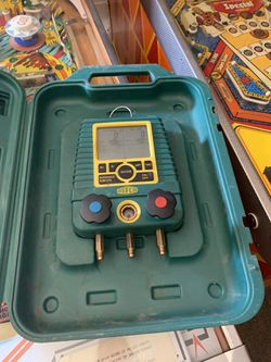 Refco. Digital. Guages Hvac. Freon. R-22 refrigerant. for Sale in Las Vegas,  NV