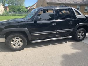 2004 Chevy Avalanche for Sale in Wauwatosa, WI