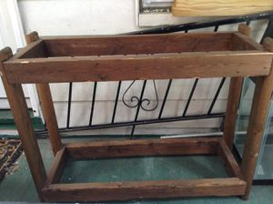 Fish tank/reptile stand for Sale in New Cumberland, PA