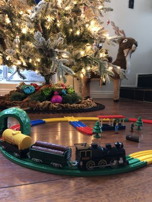 CHRISTMAS 🎄 🚂TRAIN 🚂 🎄 for Sale in Signal Hill, CA