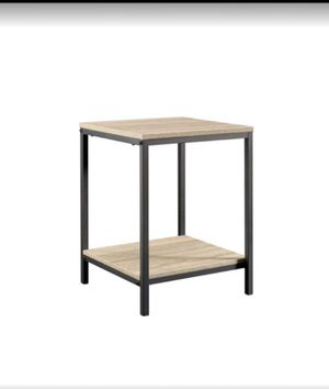 North Avenue Charter Oak End Table for Sale in Plano, TX