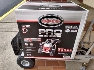 Simpson pressure washer 3700 psi 2.5 gpm for Sale in Roswell, GA