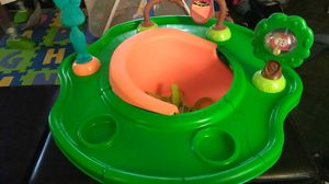 Booster Seat w/ activity table for Sale in Orlando, FL