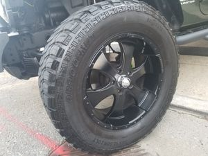 "20"" black rims on a jeep wrangler for Sale in Queens, NY"