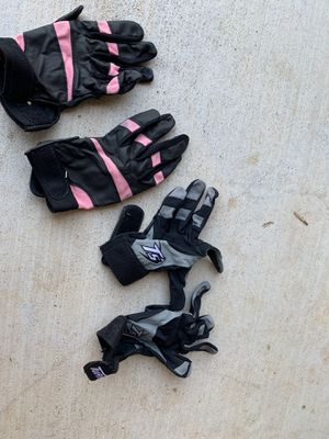 Baseball/softball gloves for Sale in Edmond, OK