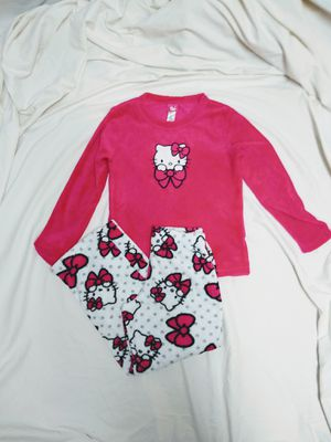 Hello Kitty Sanrio Pink Fleece Pajama Set Girls size 4-6 for Sale in Middletown, OH