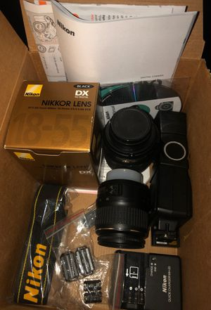Nikon D3100 lenses, battery charger and flash for Sale in Clovis, CA