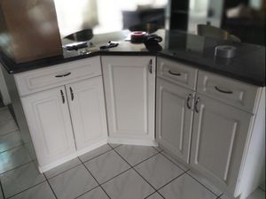 Kitchen cabinets make offer must go today for Sale in Indian Rocks Beach, FL