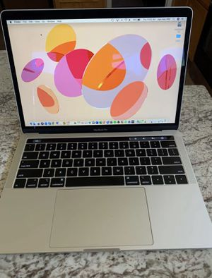 2019 MacBook Pro Touch Bar, 8gb ram, i5 processor, 3.1 GHz, 256gb ssd, in new condition. Comes with original charger for Sale in Roseville, CA