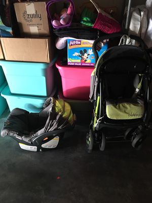 Infant car seat / stroller for Sale in Oceanside, CA
