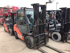 2012 TOYOTA 8FGU30 6k gas/propane warehouse forklift for Sale in Chicago, IL