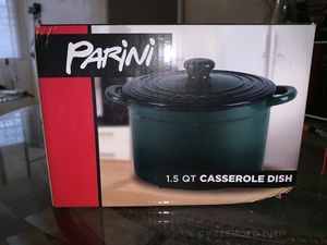 Casserole dish, omelet maker, and small crockpot for Sale in Tucson, AZ