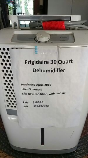 Frigidaire 30 quart dehumidifier for Sale in Yorktown, VA