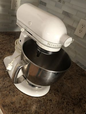 Kitchen aid mixer for Sale in Newport News, VA