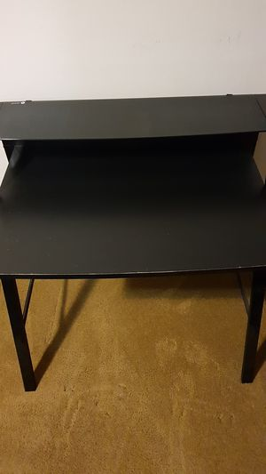 Computer desk/ Study table and Office Chair for Sale in Renton, WA