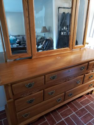 Dresser with trifold mirror for Sale in Stafford Township, NJ