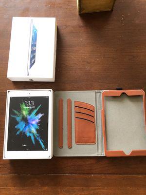 iPad mini (with case) for Sale in Tucson, AZ