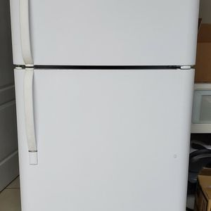Fridge in very good condition for Sale in Kissimmee, FL