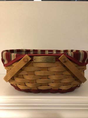 "Longaberger 2004 Limited edition ""get together""basket for Sale in Gallatin, TN"