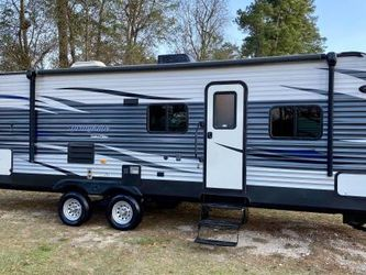 2015 KEYSTONE SPRING LIMITED EDITION With SLIDE & BUNKS OUTSIDE KIT - $15,900 for Sale in Spring,  TX
