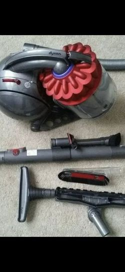 DYSON DC39 LIKE NEW for Sale in Herndon,  VA