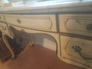 thomasville antique dresser great shape! for Sale in Coarsegold, CA