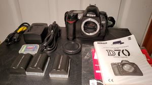 Nikon D D70 6.1MP Digital SLR Camera - Black (Body Only) + extras for Sale in Lynnwood, WA