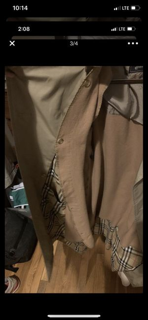 Burberry trench large for Sale in Columbus, OH
