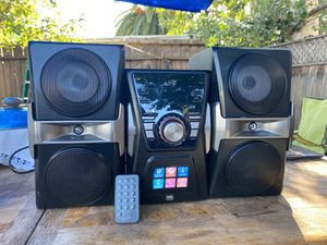 ILIVE Music System BLUETOOTH, CD, RADIO. With color changing lights and remote control. for Sale in Palo Alto, CA
