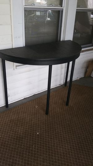 """Super nice 50"""" wide real marble top table. Excellent condition! for Sale in High Point, NC"""