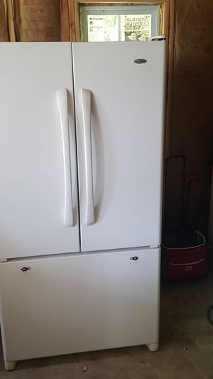 Amana white 3 door refrigerator with ice maker Works great for Sale in Nashville, TN