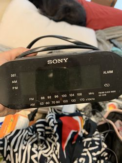 Alarm clock radio for Sale in Los Angeles,  CA