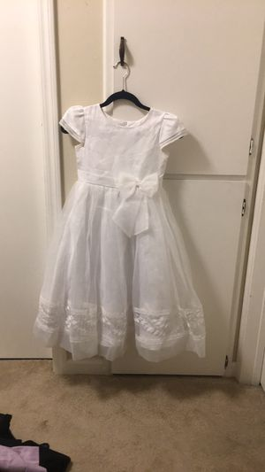 Tip toe girl is dress for Sale in Hayward, CA