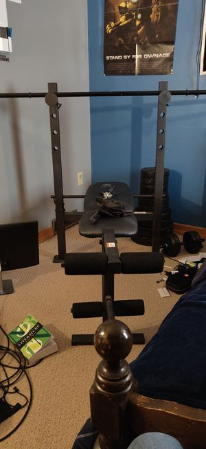Gold's gym bench press for Sale in Commercial Township, NJ
