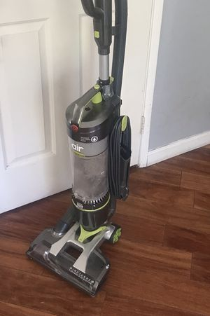 Vacuum- Hoover - Bagless - CLEAN for Sale in Perris, CA