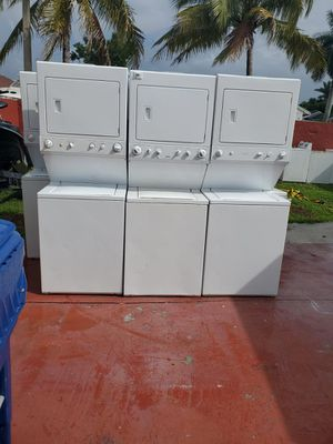 Stackable Washer and dryer in perfect condition with warranty for Sale in Pembroke Pines, FL
