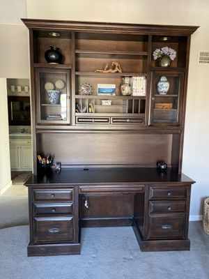 Solid wood Desk with hutch from Thomasville for Sale in Scottsdale, AZ