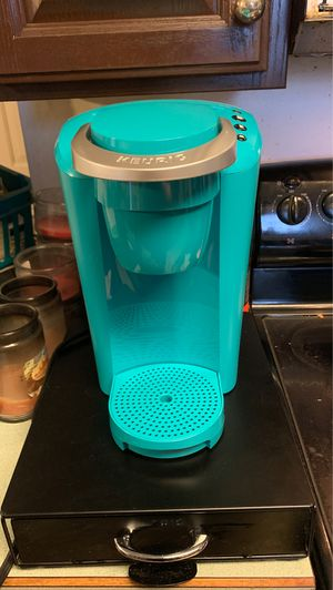 Keurig coffee maker for Sale in Collinsville, IL