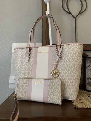 New MK set bag and wallet for Sale in Haltom City, TX