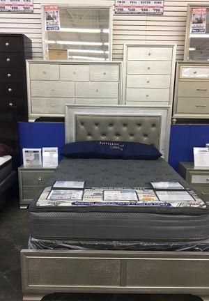 LYSSA LIGHT UP BED SET!!! for Sale in Macon, GA