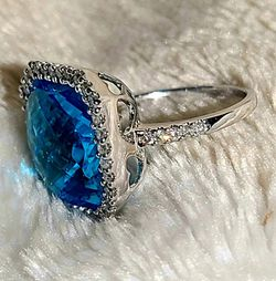14kt White Gold, Blue Topaz Ring, Surrounded With Real Diamonds for Sale in Bridgeport,  WV
