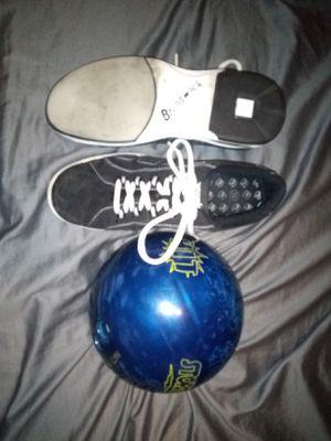 Bowling Set! STORM- HIT! 14lbs Ball, BRUNSWICK Shoes & Bag for Sale in Scottsdale, AZ