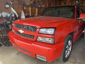 Chevy Silverado ss 03 for Sale in Chicago, IL