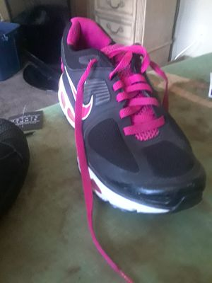 Nike size 9 for women for Sale in Tampa, FL